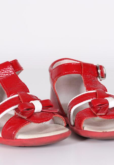 Rode sandaaltjes, Beberlis, 20