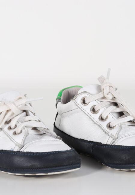 Wit-blauw schoentjes, J&F, 23