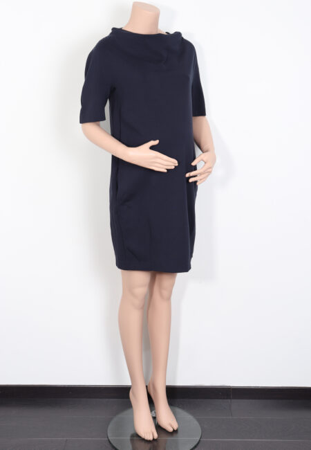 Donkerblauw kleedje, Menonove, S